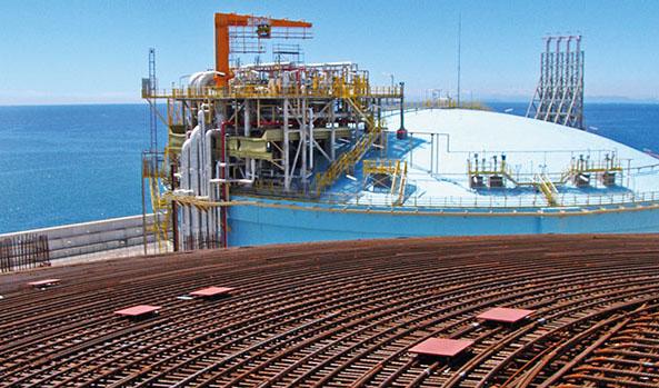 Imagen Caso de uso de los sistemas de tesado DYWIDAG: refuerzo de depósitos LNG